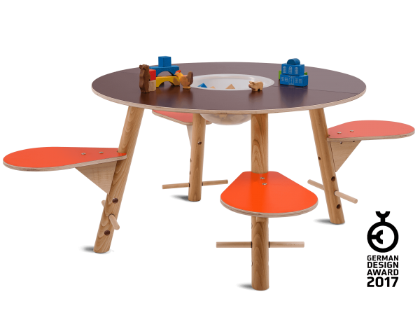 tavi brown play table - awarded with German Design Award 2017